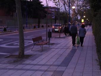 Banco en la calle Madrid deGetafe