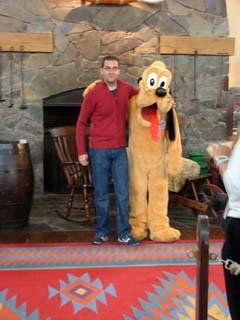 Pluto y Ruymán en Disneyland Paris