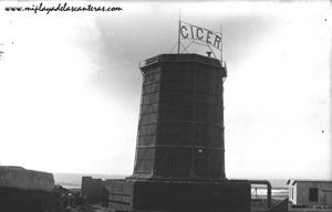 Chimenea de la central eléctrica de La Cícer en los años 20.