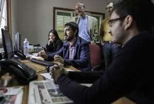 Escolar en la redaccion de Canarias Ahora